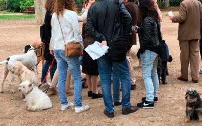 Barcelona prohibe entrada perros en el Turó Park