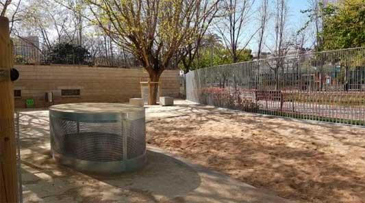 Barcelona prohibe entrada de perros al Turó Park